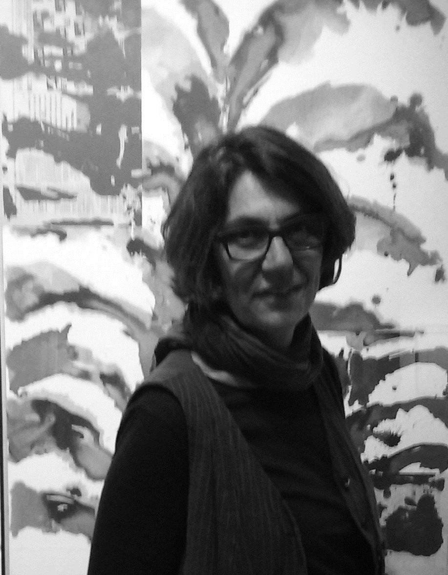 Colette Colla devant une oeuvre de Gérard Titus-Carmel ©VGS