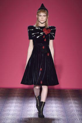 Robe Coeur Transpercé Schiaparelli-Haute-Couture