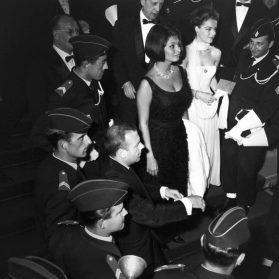 1962 – Sophia Loren et Romy Schneider pour la présentation de « Boccace 70 » © Ina – Jean-Claude Pierdet