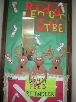 Holiday Door Contest at Peacock! | Itasca School District ...