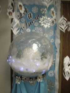 Holiday Door Decorating Contest Itasca School District