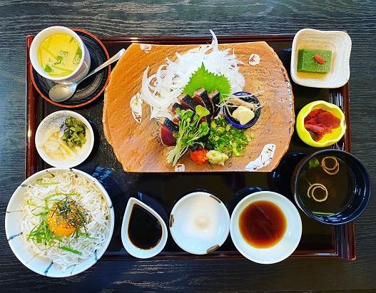 宝塚市山本東、和食とお膳「花やしき」でランチはおすすめです