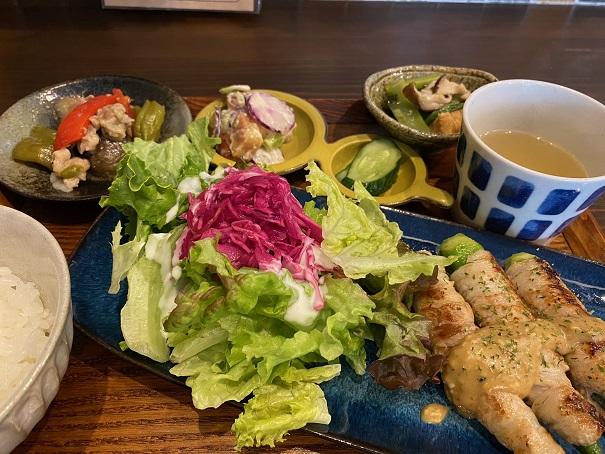 伊丹市中央、あんず食堂にて野菜たっぷりランチはおすすめ!