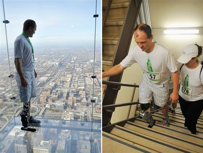 Человек с бионическим протезом ноги пешком поднялся на небоскреб