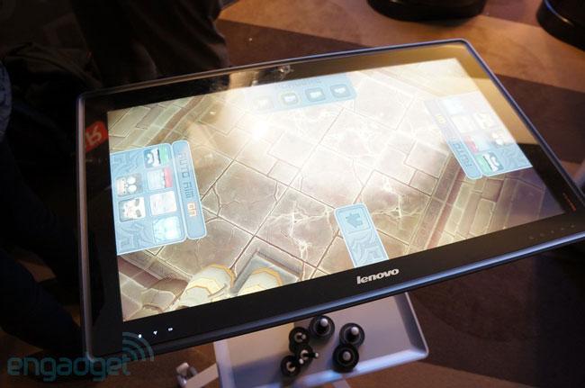 Lenovo продемонстрировала многопользовательский гибридный компьютер-планшет IdeaCentre Horizon 27 Table PC