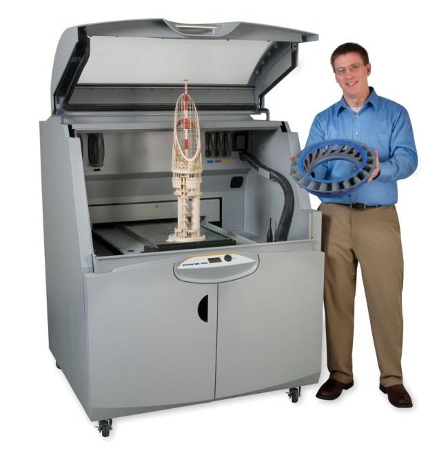 Высота профессионального 3D-принтера ZPrinter 850 (zcorp.com) превышает полтора метра, а его вес больше 350 кг