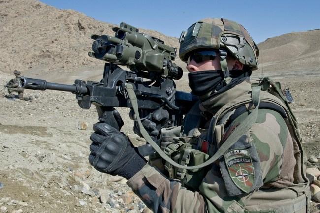 Французские солдаты FELIN, также как американские Land Warrior, служили в качестве миротворцев в Ираке