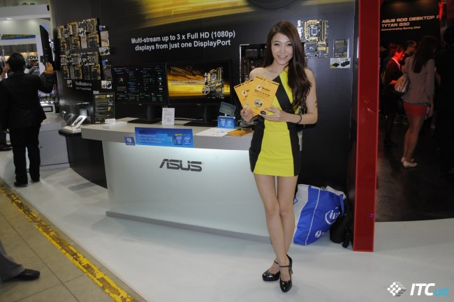 Computex_2013_Booth_Babes_1g