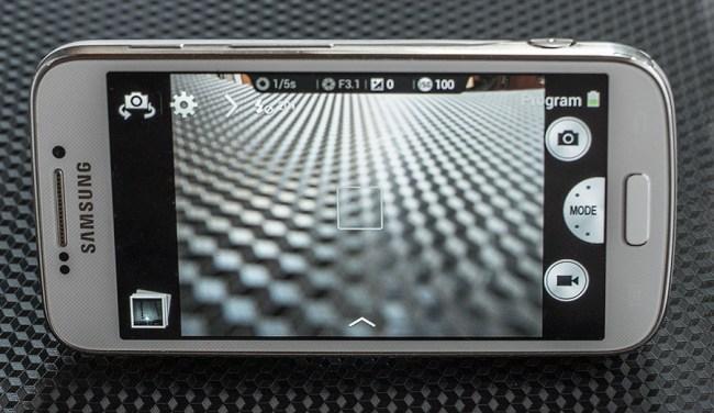Samsung_S4_zoom_back