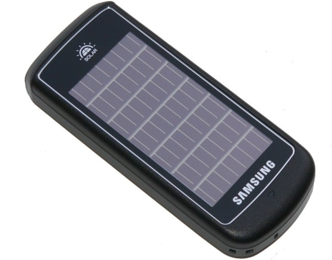 Мобильный телефон Samsung E1107 оснащен солнечной батареей