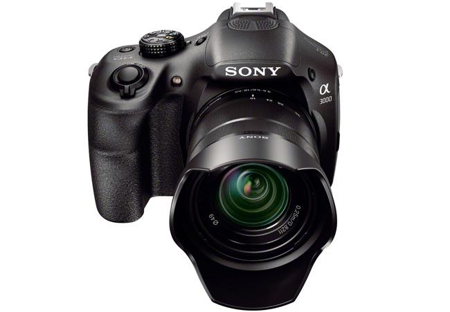 Sony α3000 - похожая на зеркальную камера с возможностью использовать сменные объективы