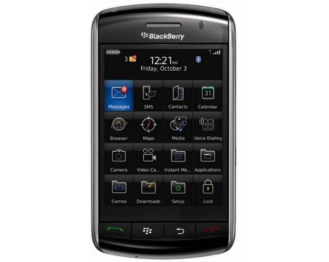 BlackBerry Storm 9500 – первый смартфон RIM с сенсорным экраном