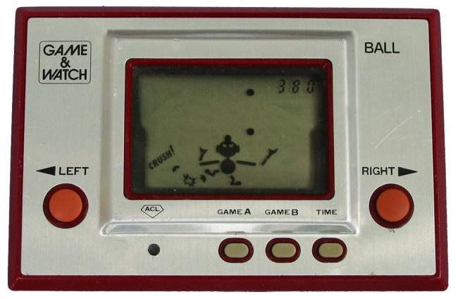Электронная игра Game & Watch Ball (1980 год)