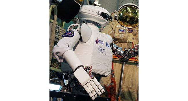 В России проходят испытания андроида, предназначенного для выполнения операций на МКС и в космосе