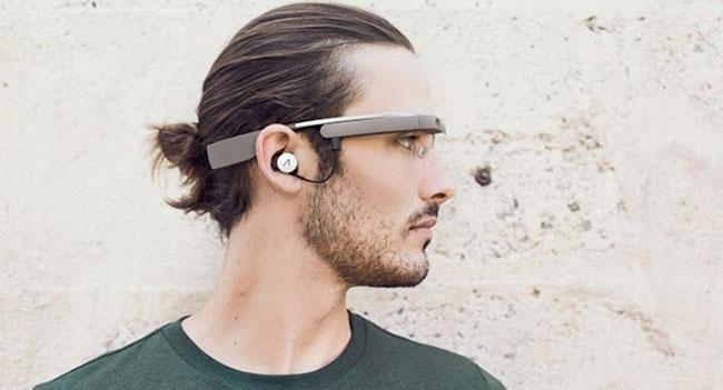 Первые пользователи Google Glass могут порекомендовать трех друзей в качестве новых покупателей умных очков