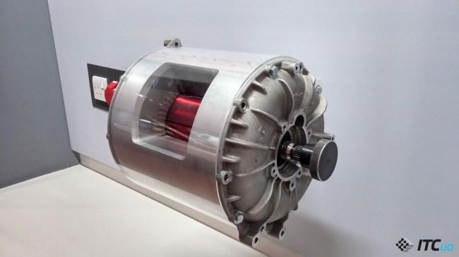 Так выглядит электромотор Tesla Model S