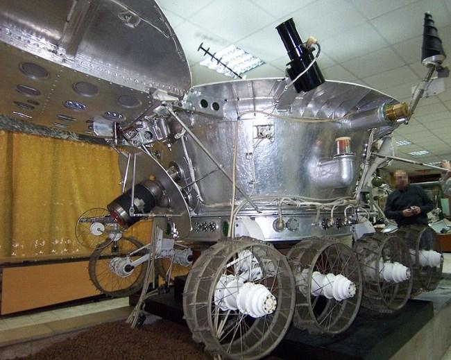 751px-Lunokhod-3_side