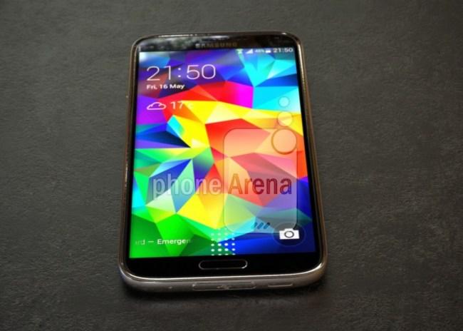 В сети появились фотографии и характеристики смартфона Samsung Galaxy S5 Prime