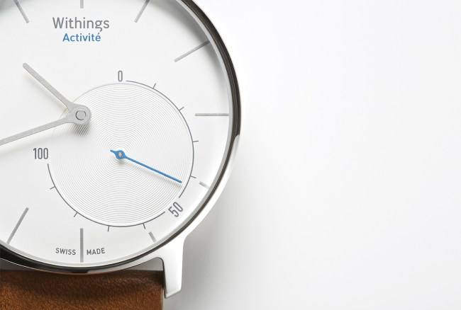 1.Withings_Activit__flagship_close-up