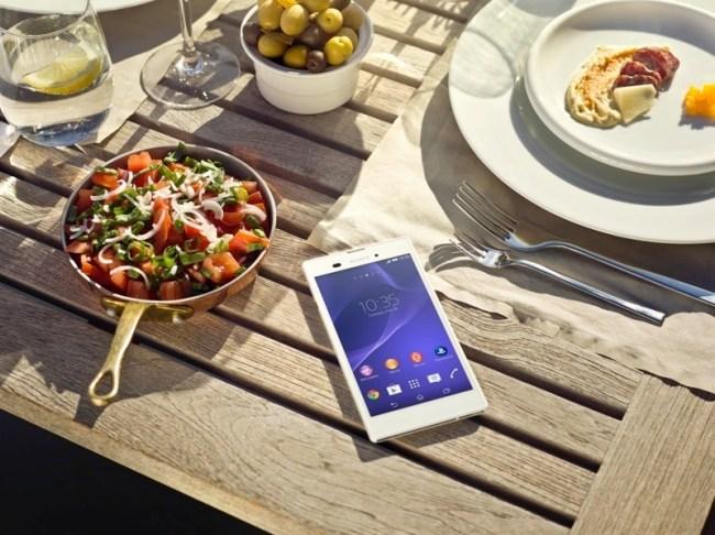 11-xperia-t3-lifestyle-dinnerwtmk-1