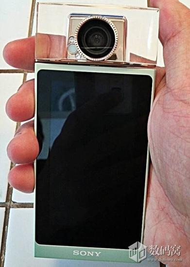 Sony создала камеру для любителей селфи