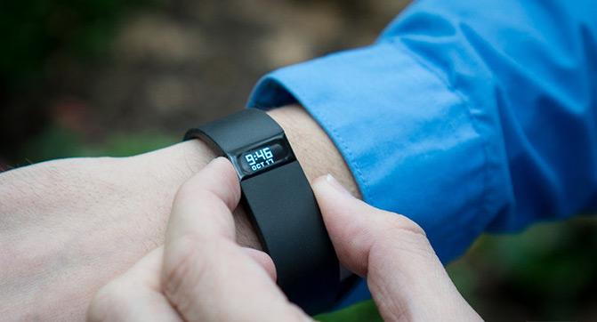 Fitbit подготовила к выпуску фитнес-браслеты Charge и Charge HR