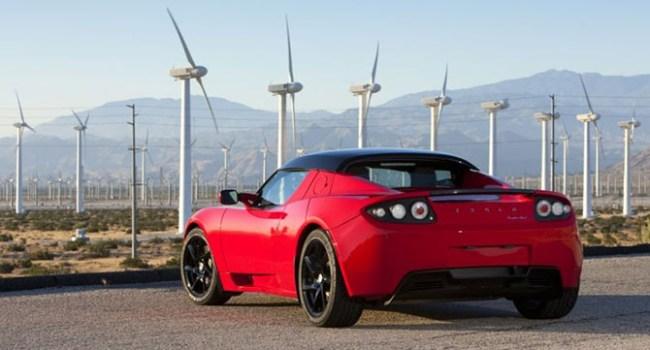 Tesla Motors представит родстер до конца текущего года