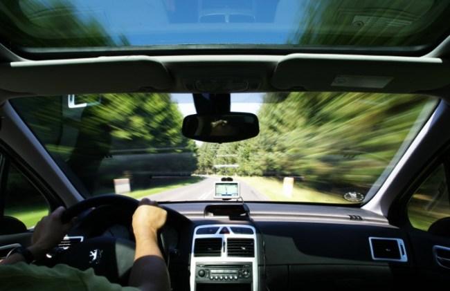 gps-navigator-auto-b