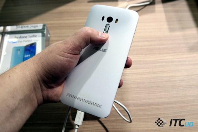 ASUS ZenFone Selfie (5)