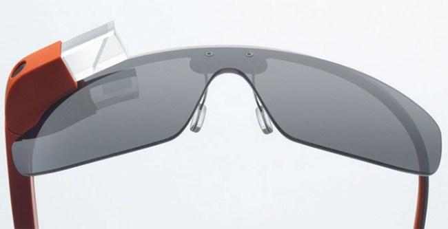 Новая версия Google Glass получила увеличенную призму, процессор Intel Atom и поддержку внешних аккумуляторов