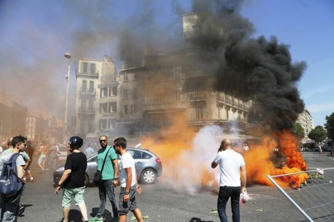 Grève des taxis : affrontement avec les CRS