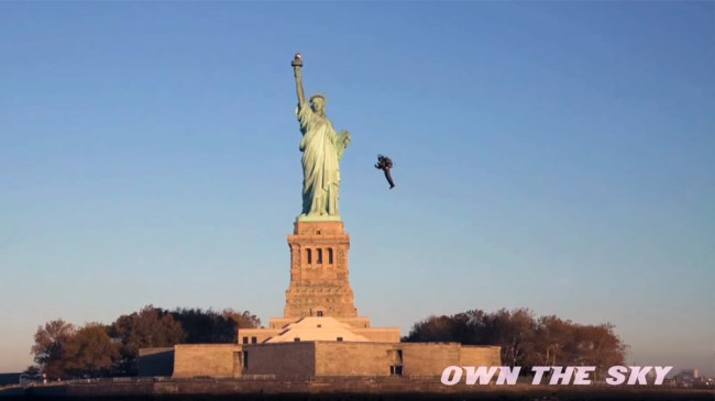 jetpack-statue-of-liberty