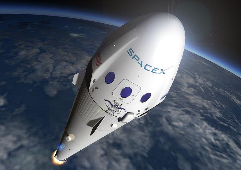 SpaceX успешно запустила ракету Falcon 9 со спутником на борту, но попытка посадки на плавучую платформу не удалась