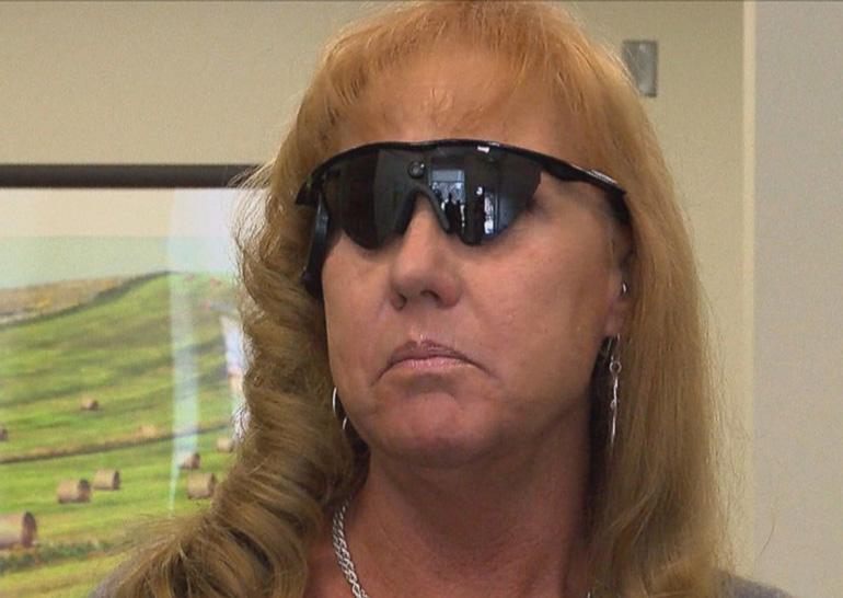 Пациентке частично вернули зрение, имплантировав бионический глаз