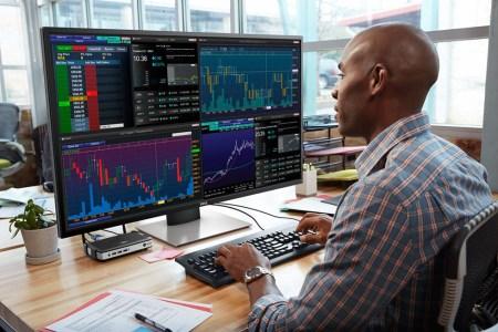 Dell выпустила 43-дюймовый монитор, который можно «делить» на 4 части и подключать к 4 источникам сигнала