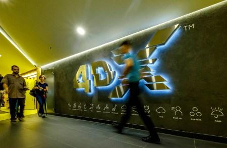 Как работает кинотеатр с 4DX: тестируем новый зал в Киеве