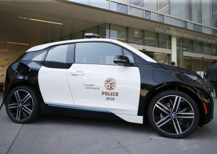 Полиция Лос-Анджелеса отказала Tesla Motors и приобрела 100 «более экономичных и надежных» электромобилей BMW i3
