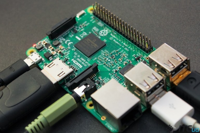 Raspberry Pi 3 (3 of 10)