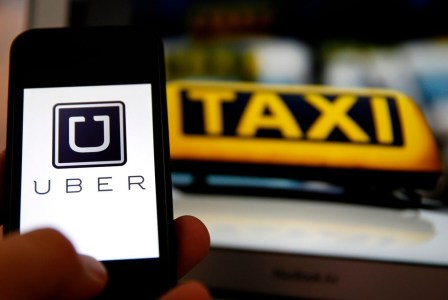 Сегодня в Киеве начнет работать сервис заказа такси Uber