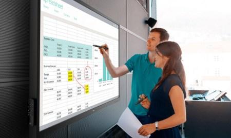 70-дюймовый сенсорный дисплей Dell C7017T стоимостью $5 тыс. предназначен для использования в школах и залах заседаний