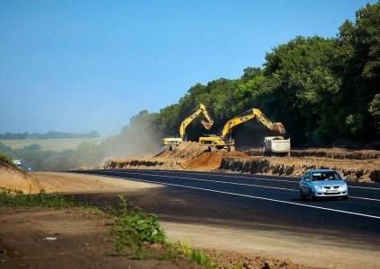 Пожаловаться на некачественный ремонт дорог в Украине теперь можно на Facebook-странице Укравтодора