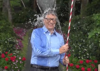 Флэшмоб Ice Bucket Challenge помог в изучении причин возникновения бокового амиотрофического склероза