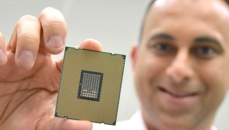 Вторая жизнь закона Мура: в ближайшие пять лет транзисторы перестанут уменьшаться в размерах