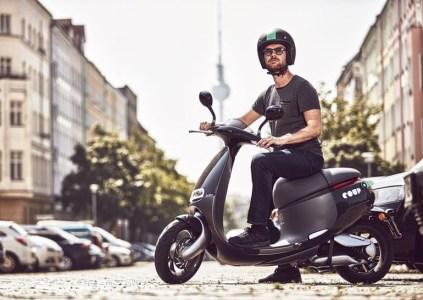 Gogoro запустила в Берлине сервис проката своих электрических скутеров стоимостью €3 за полчаса или €20 за весь день