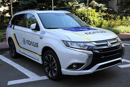Национальная полиция Украины потратит почти 1 млрд грн «киотских» средств на покупку гибридных кроссоверов Mitsubishi Outlander PHEV