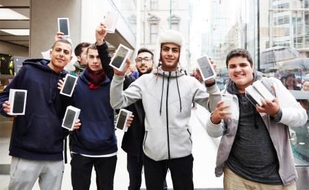 ГФС: «Все ввезенные в Украину смартфоны Apple iPhone 7 нелегальны, а их владельцы — преступники»