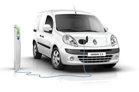 Renault начинает официальные продажи электромобилей в Украине: с октября можно будет купить Renault Kangoo Z.E., а в следующем году — Renault ZOE