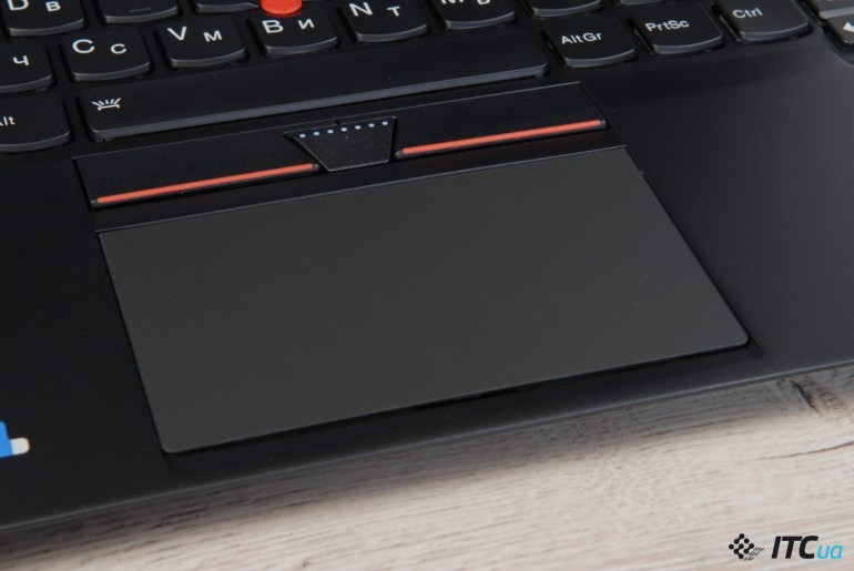 lenovo_thinkpad_x1_carbon_15