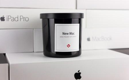 Американская компания Twelve South представила ароматическую свечу New Mac Candle с запахом только что распакованного компьютера Apple