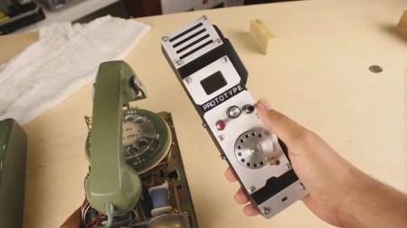Американский инженер создал мобильный телефон с дисковым номеронабирателем